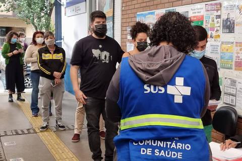 Secretaria de Saúde de SP escalona vacinação contra a Covid para o público entre 18 e 49 anos