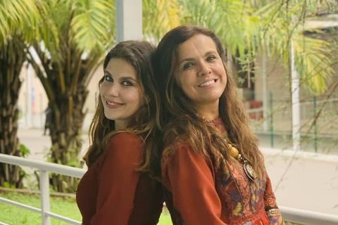 Filha e mãe, Thais Müller e Marcella Muniz interpretam Maresca, na 5ª fase da novela