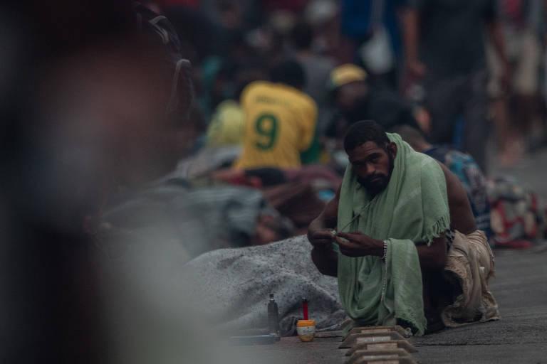 Com pandemia, cracolândia em SP vê menos doações e mais tensão com polícia