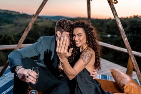 Paula Amorim fica noiva de Breno Simões