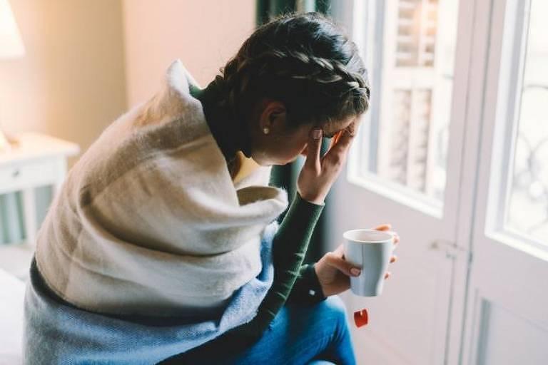 Fadiga e dor de cabeça são dois sintomas relatados