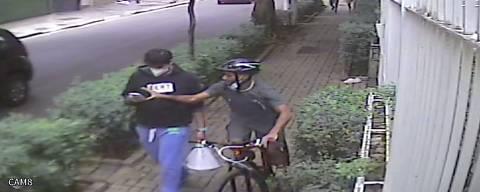 O músico Jorge de Godoy Monteira, 30, tem o celular furtado por ciclista; criminosos invadiram contas bancárias e levaram dele R$ 15 mil