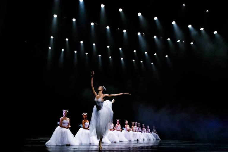 espetáculo de balé clássico