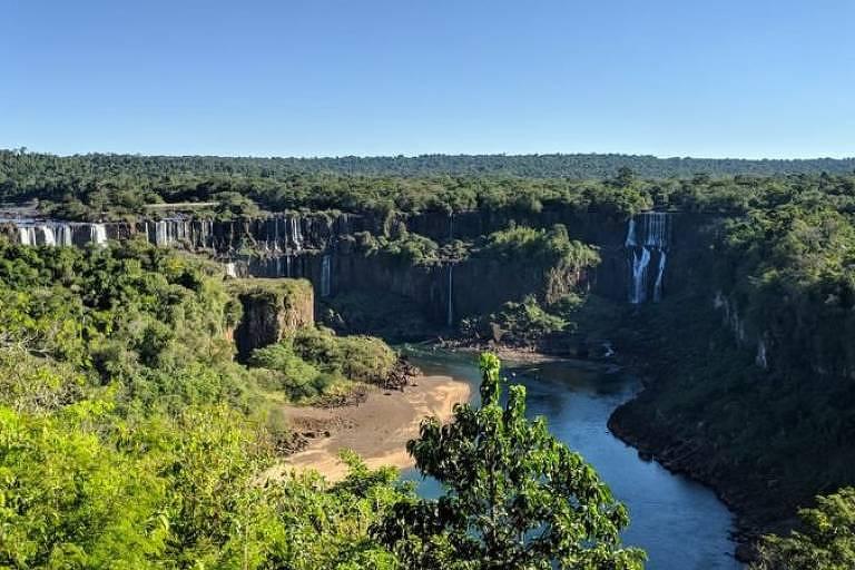 Cataratas do Iguaçu em 13 de junho; vazão da água atingiu menor patamar do ano e deve continuar baixa nos próximos meses
