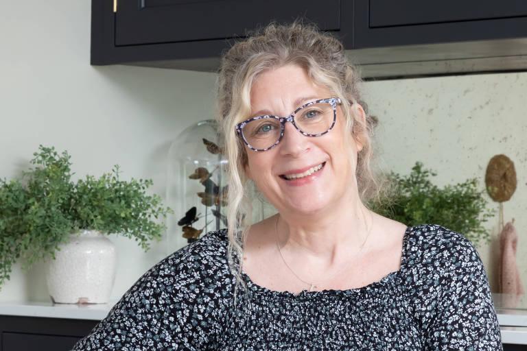 Charlotte Kneer, executiva-chefe do Refúgio de Mulheres Reigate e Banstead no condado de Surrey
