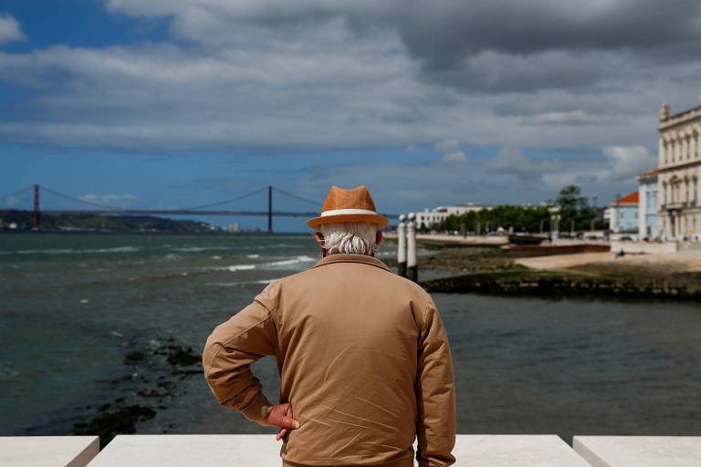 Com variante se espalhando, Portugal impõe restrições de circulação em Lisboa