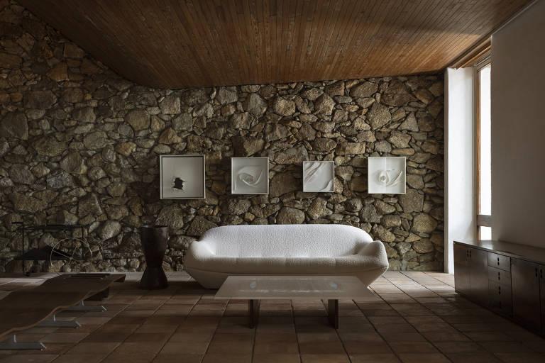 Veja a casa e móveis de Jorge Zalszupin