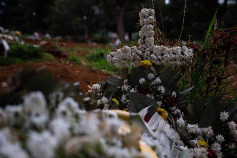Com 500 mil mortos, número de vítimas de Covid-19 no Brasil já é maior que 8 genocídios