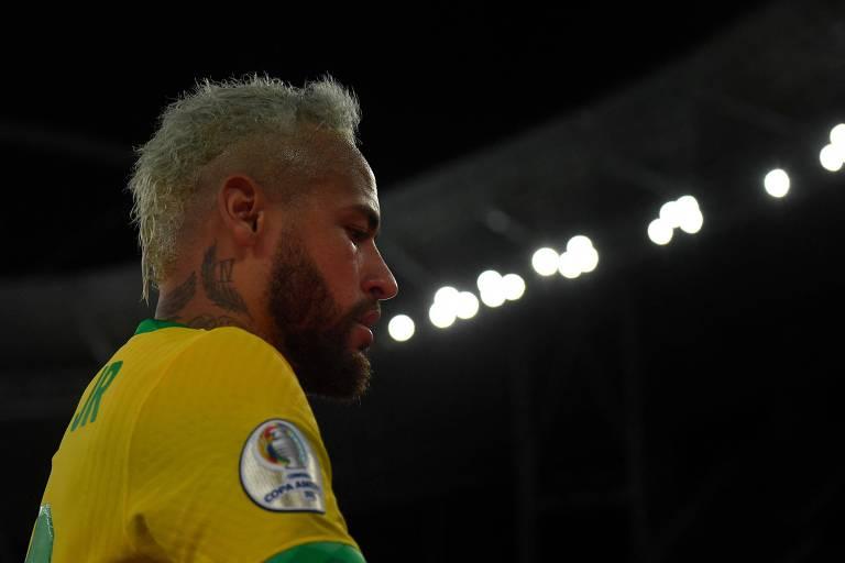 Decisivo em vitória do Brasil, Neymar se emociona depois de passar por 'muita coisa'