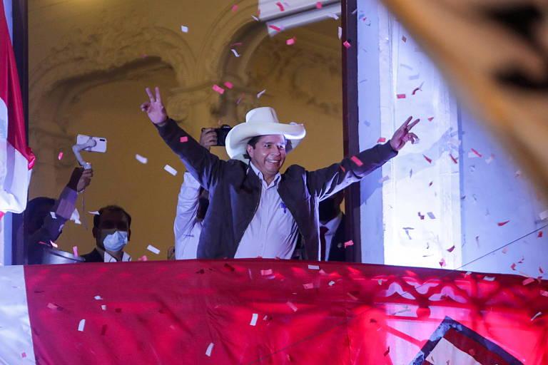 Perto da vitória no Peru, Castillo busca afastar imagem de esquerda radical