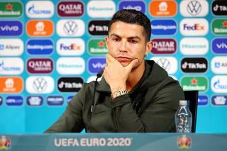 FILE PHOTO: Euro 2020 - Portugal Press Conference