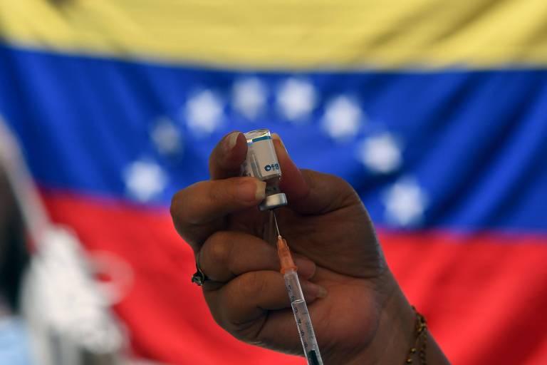 EUA flexibilizam sanções contra Maduro para combate à Covid-19 na Venezuela
