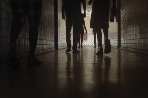 Cena do filme ``Nunca me Sonharam'' ( Foto: Divulgação )