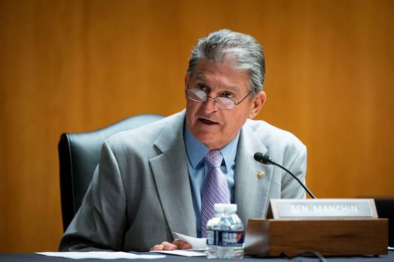 O democrata Joe Manchin durante sessão do sub-Comitê de Apropriações do Senado americano