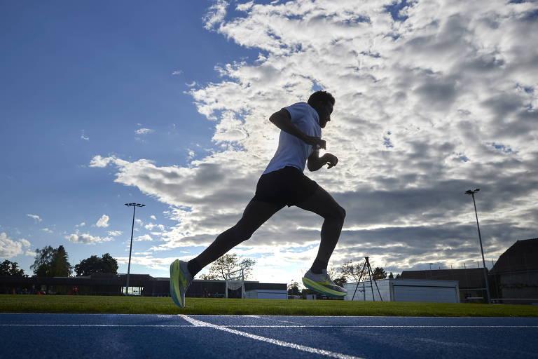 Habtom Amaniel, de Eritreia, vai disputar a Olimpíada de Tóquio como refugiado e participar da prova de 10.000 metros do atletismo