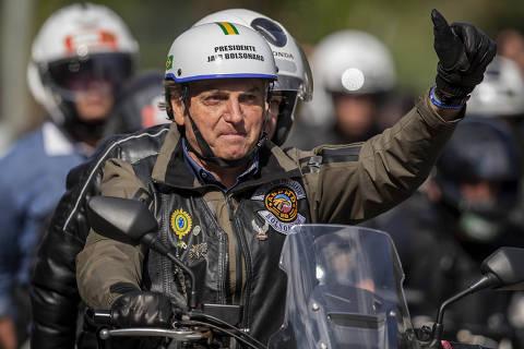 Bolsonaro multiplica palcos para radicalismo e busca recuperar popularidade para 2022