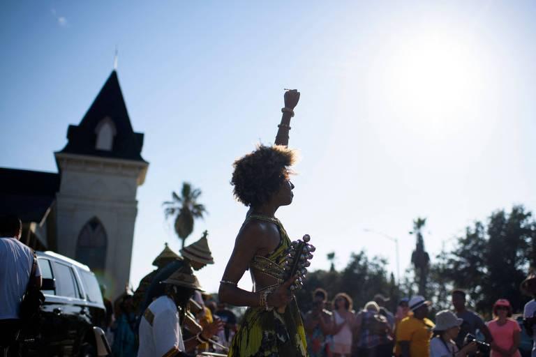 Pela 1ª vez, EUA celebram feriado nacional Juneteenth, que marca fim da escravidão