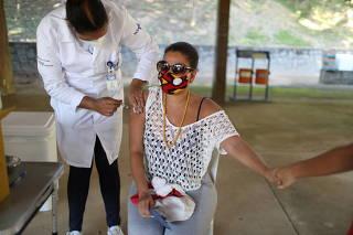 Mass vaccination against COVID-19 on Paqueta Island in Rio de Janeiro