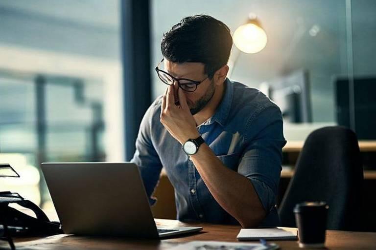 Por que tantos chefes favorecem 'presenteísmo' em vez de produtividade