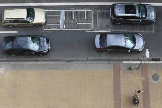 Moradores sofrem com barulho de grade na avenida Nove de Julho