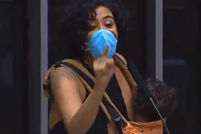 Deputada quer contabilizar cuidado materno para aposentadoria no Brasil