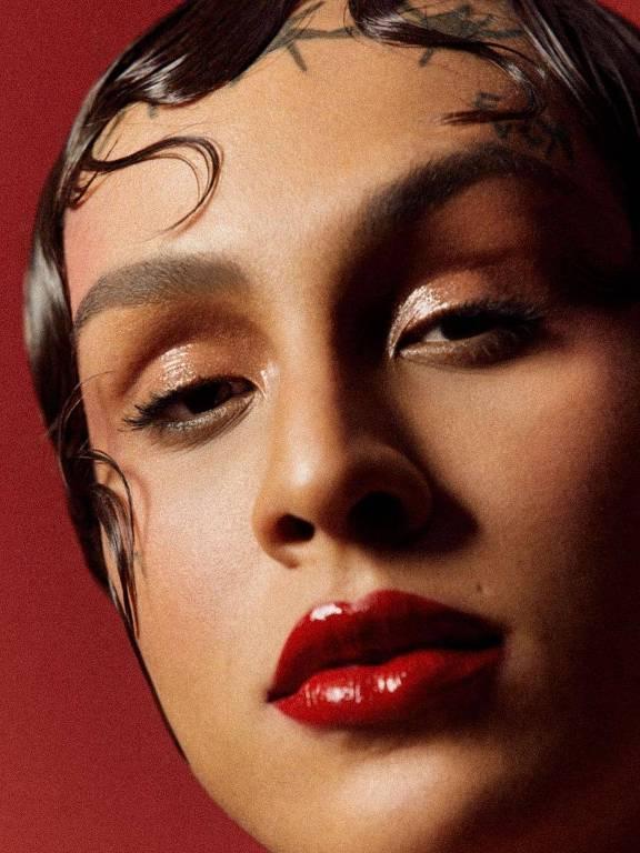 Imagens da cantora  Linn da Quebrada