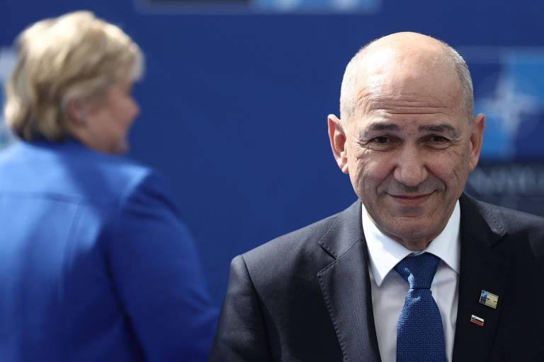 Primeiro-ministro da Eslovênia, Janez Jansa, chega à conferência da Otan, em Bruxelas