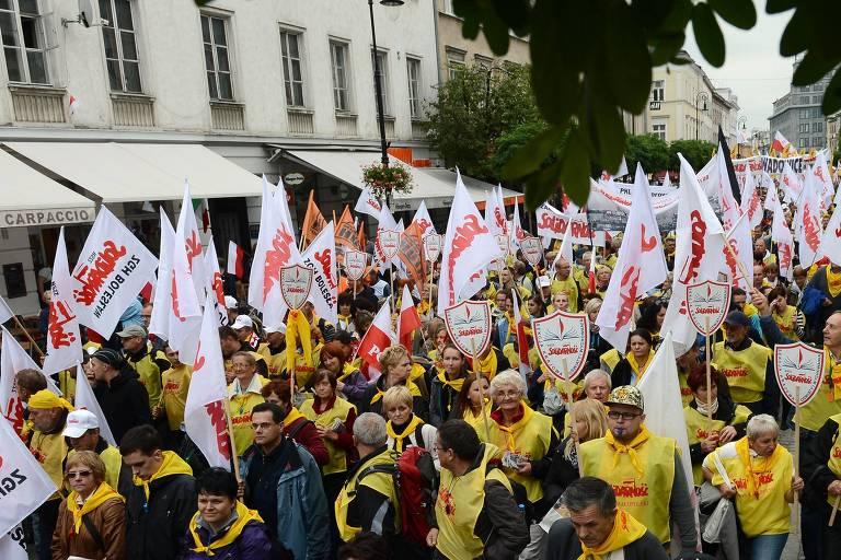 Líderes populistas do leste europeu enfrentam um problema: impopularidade