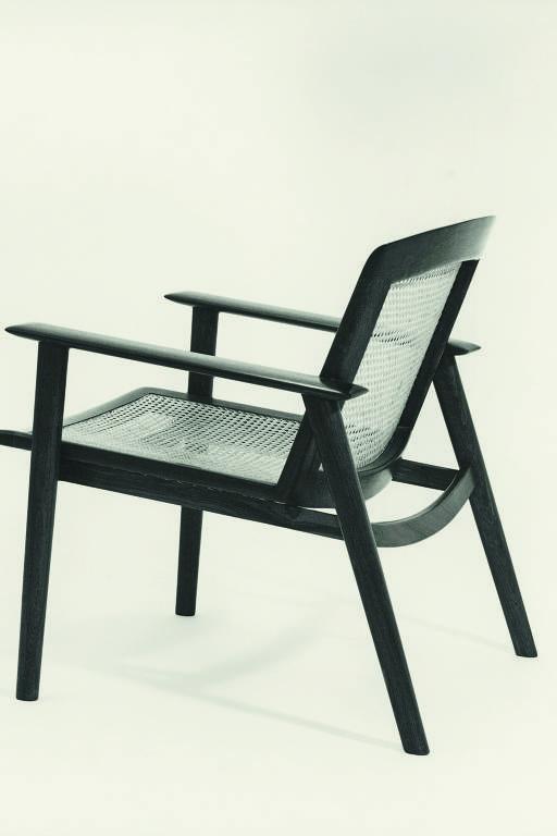Veja móveis de Bernardo Figueiredo