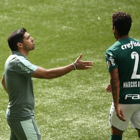 Soccer Football - Brasileiro Championship - Palmeiras v America Mineiro - Allianz Arena, Sao Paulo, Brazil - June 20, 2021 Palmeiras coach Abel Ferreira REUTERS/Carla Carniel