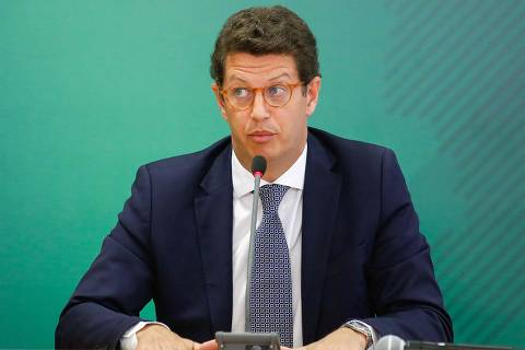 Salles é o 16° ministro a sair do governo Bolsonaro em dois anos e meio de gestão