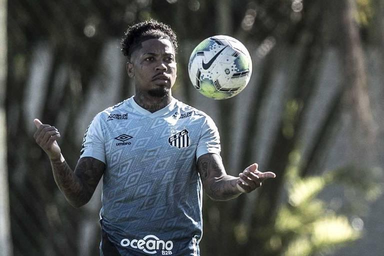 Animado por vitória em clássico, Santos tenta manter Grêmio zerado no Brasileiro