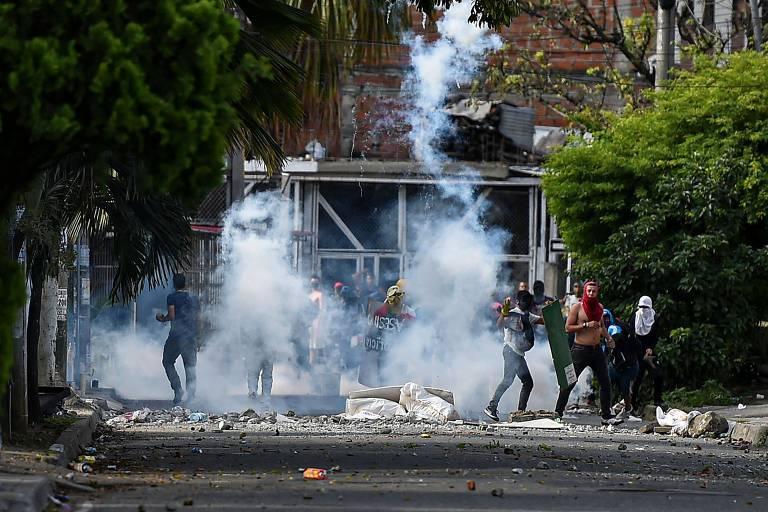 Dois morrem em menos de 48 horas durante protestos na Colômbia