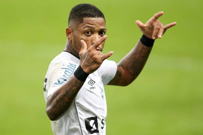 Marinho castiga Grêmio de novo e evita derrota do Santos no Sul