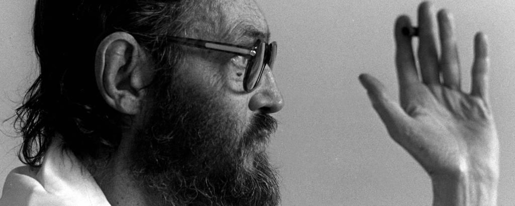 Julio Cortázar em retrato de 1981, em Paris