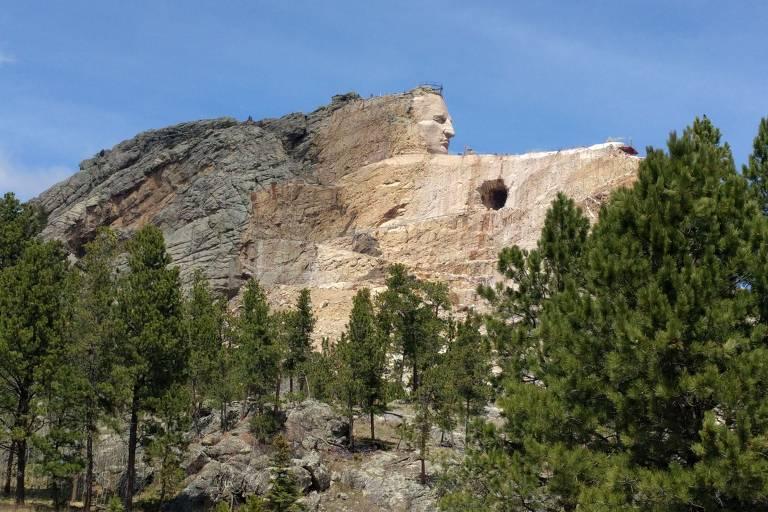 Memorial em homenagem ao líder indígena Crazy Horse, a 27 km do Monte Rushmore, na Dakota do Sul
