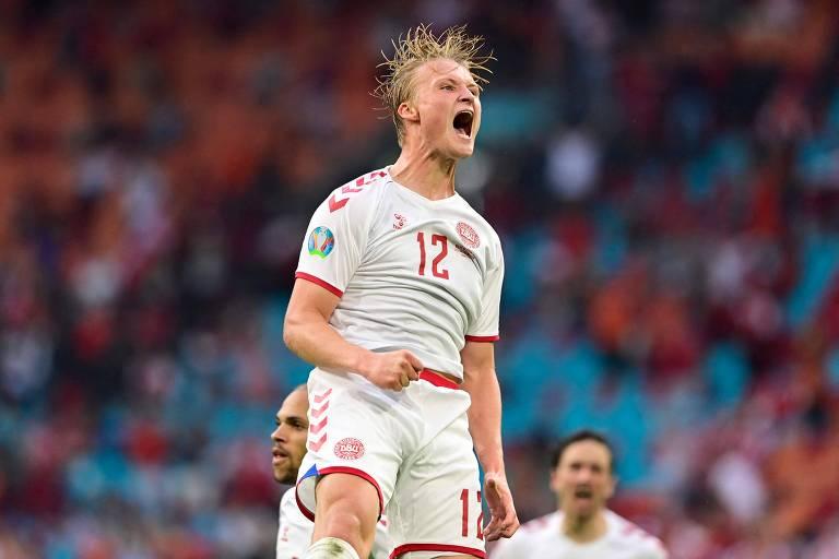 Dolberg comemora seu segundo gol na vitória sobre Gales, em Amsterdã