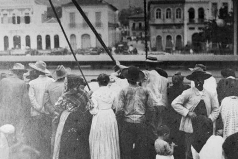 Se o navio registrasse doenças antes da chegada ao Brasil, poderia ter de ficar mais de 1 semana em quarentena