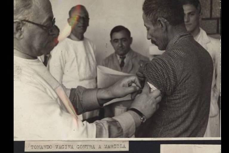Havia campanhas de vacinação nas hospedarias para proteger a nova força de trabalho que chegava ao país