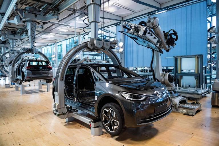 VW deixará de vender carros com motor de combustão interna na Europa até 2035