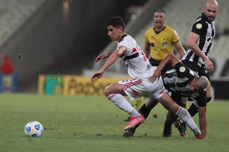 São Paulo continua sem vencer no Brasileiro, e Santos bate Atlético-MG