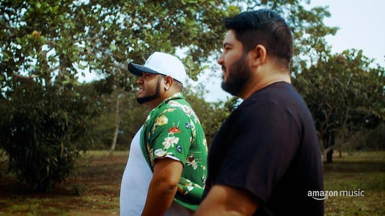 Imagens do documentário sobre  Barões da Pisadinha