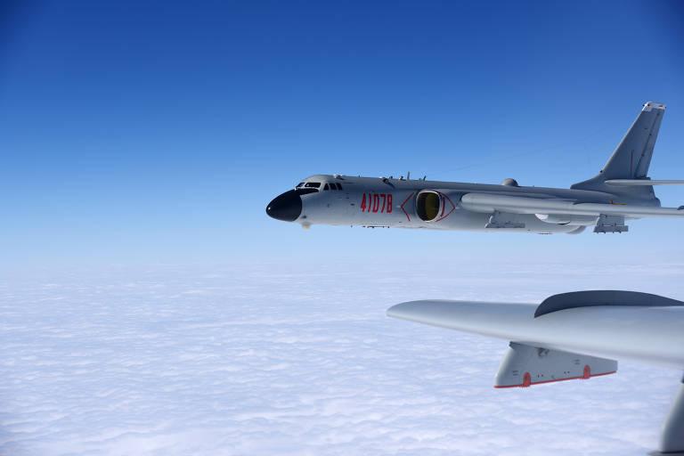 China faz maior incursão de aviões militares contra defesas de Taiwan em sua história