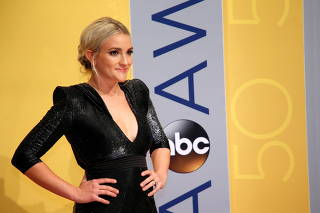 FILE PHOTO: Actor Jamie Lynn Spears arrives at the 50th Annual Country Music Association Awards in Nashville
