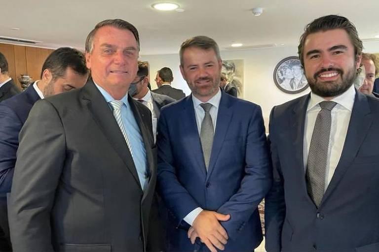 Flávio Pansieri (centro), advogado de Ricardo Barros, em foto com o presidente Jair Bolsonaro postada em uma rede social
