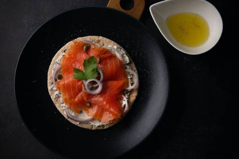 Como fazer salmão curado