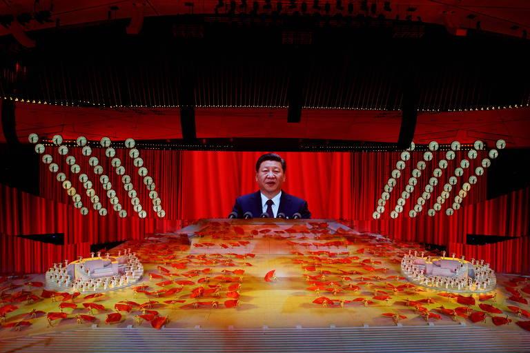 Partido Comunista chega aos 100 anos com tentáculos em todos os aspectos da vida na China