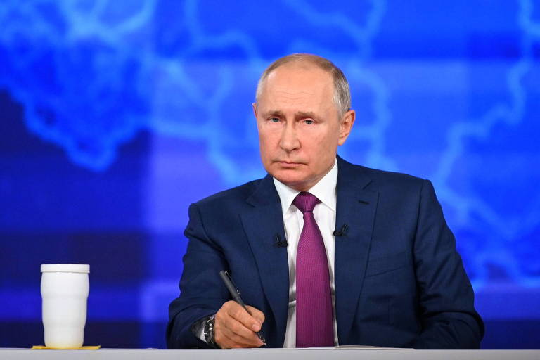 Putin reforça ocidentefobia e diz que navio britânico poderia ser afundado sem gerar 3ª Guerra
