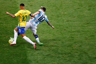 Football Soccer - Brazil v Argentina - World Cup 2018 Qualifiers