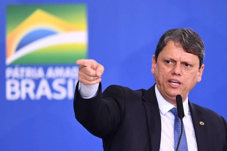 Tarcísio de Freitas diz que Lula tem rancor e o compara a Felipão em jantar com banqueiros e empresários
